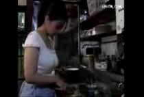 หนังโป๊AV เมื่อสะใภ้สาวต้องรับมือกับพ่อผัวจอมลามกงานนี้โดนเลียตั้งแต่ในครัวยันห้องนอน แฉะหมดแล้ว