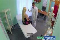 xxxตั้งกล้องแอบดูหมอหื่นชอบเย็ดคนไข้ หมอหื่นเห็นคนไข้สวยๆเป็นไม่ได้จับเย็ดคาห้องตรวจทุกราย
