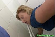คลิปXเด็ดๆ หนุ่มสาวชาวออสซี่แสวงหาความตื่นเต้นแอบพากันมาเย็ดในห้องน้ำกลางห้าง ใจกล้ามาก